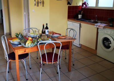 Table cuisine Logodec